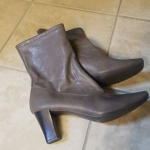 Aerosoles gray faux leather boots 9.5 NEW